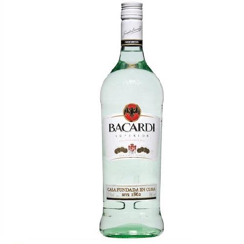 Rượu Mùi Bacardi Oro